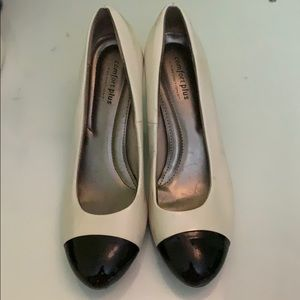 Comfort plus black and white heel